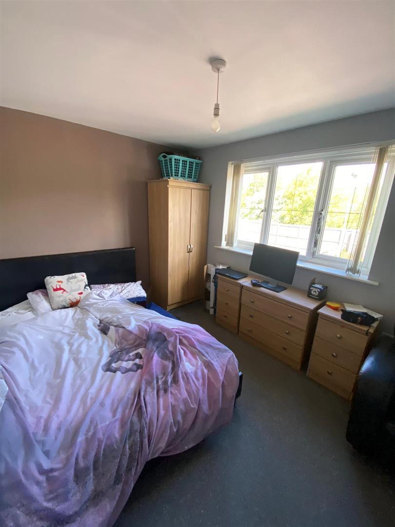 2 Bedroom Block Of Flats For Sale - 9.jpg